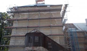 Vchod do kaple - Léto