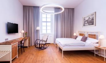 Pokoj v pětilůžkovém apartmá
