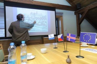 Přednáška o archeologickém průzkumu