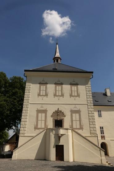 Iluzivní malby na fasádě zámku
