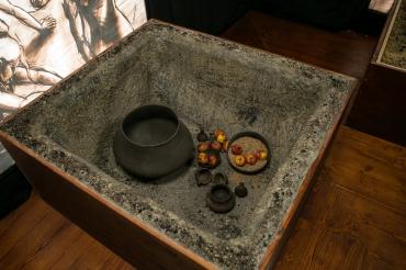 Nádoby různých velikostí z doby bronzové