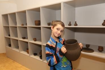 Děti a pravěká keramika